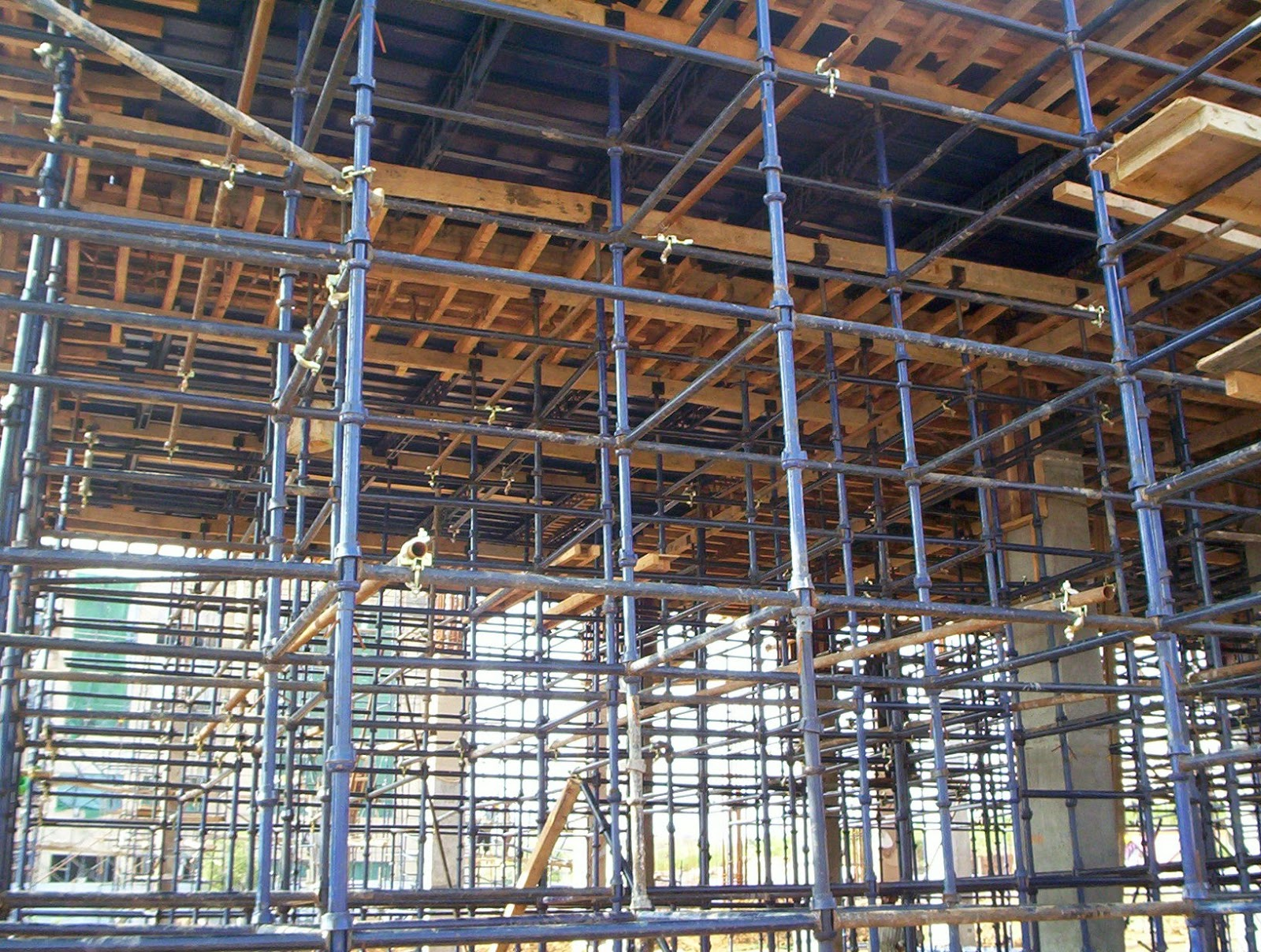 Scaffolding And Shuttering : Scaffolding materials lemas doha express trading
